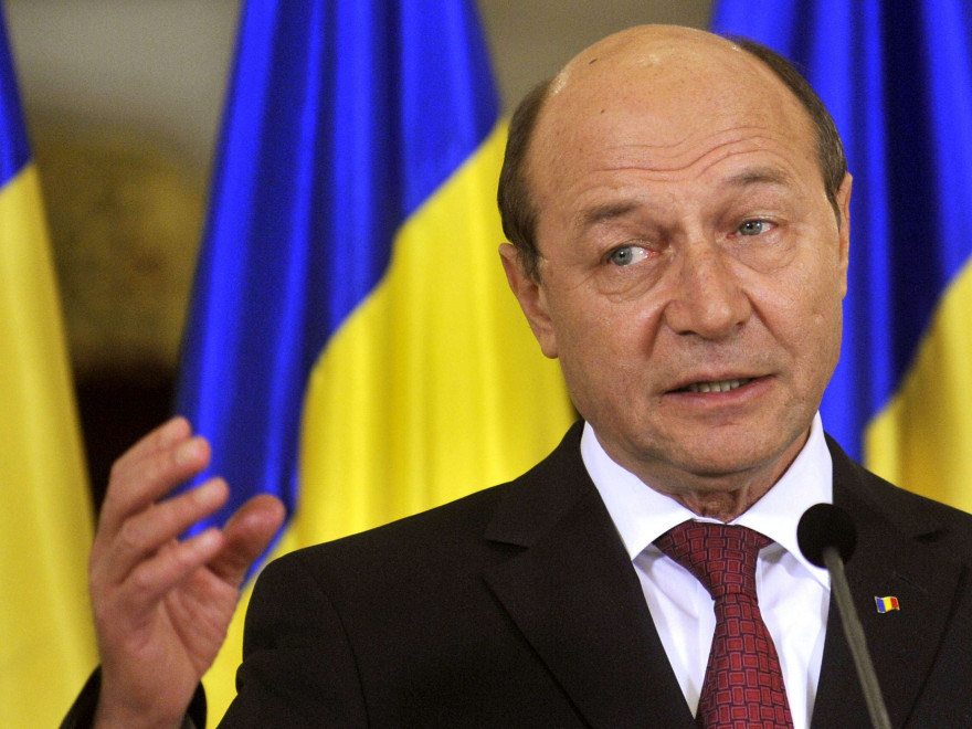 Basescu a respuns Legea privind parteneriatul public-privat si a retrimis-o la Parlament