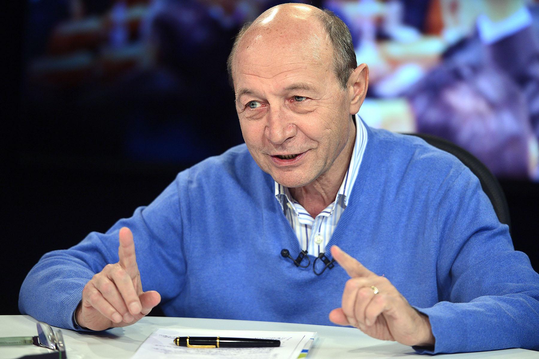Traian Basescu iese la atac in declaratii cu Firea si Iohannis