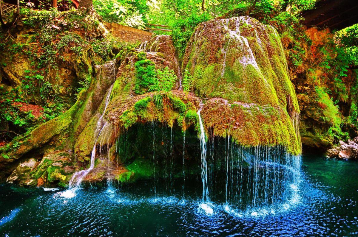 Atractii turistice din Romania pe care trebuie neaparat sa le vizitezi