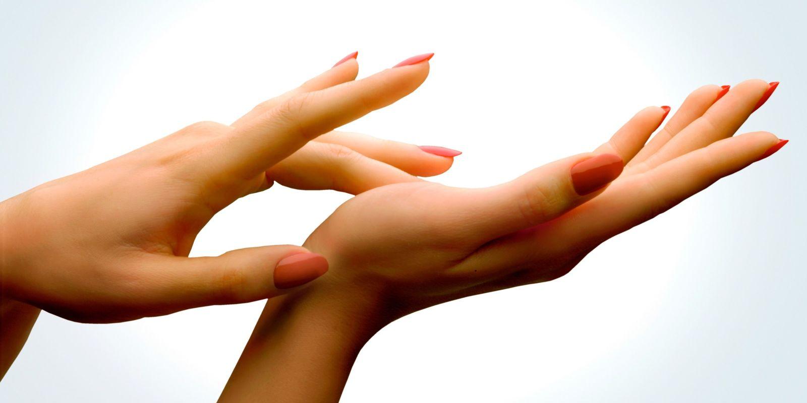 Sfaturi despre cum sa iti creasca unghiile mai rapid