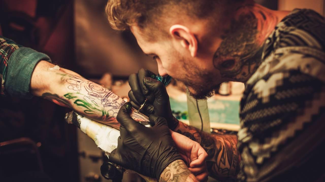 Cultura si chimia tatuajelor