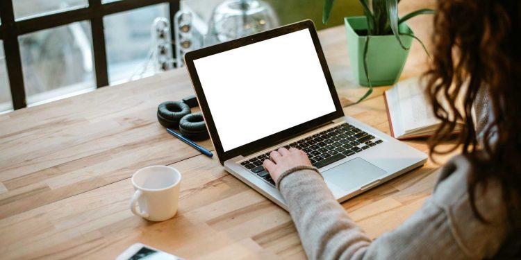 Lansarea unui nou serviciu de avocat online