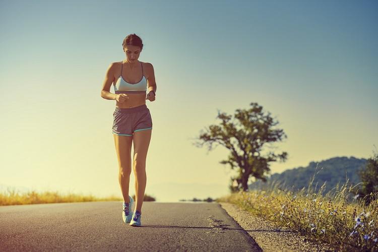 Alergand pe stomacul gol, da sau nu?