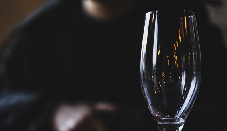 De ce sa renunti la alcool: 4 beneficii majore