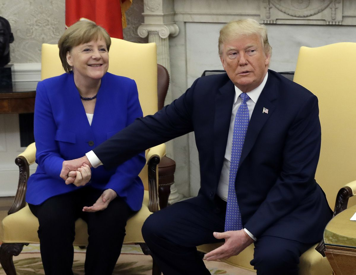 Germania s-a impacat cu Angela Merkel