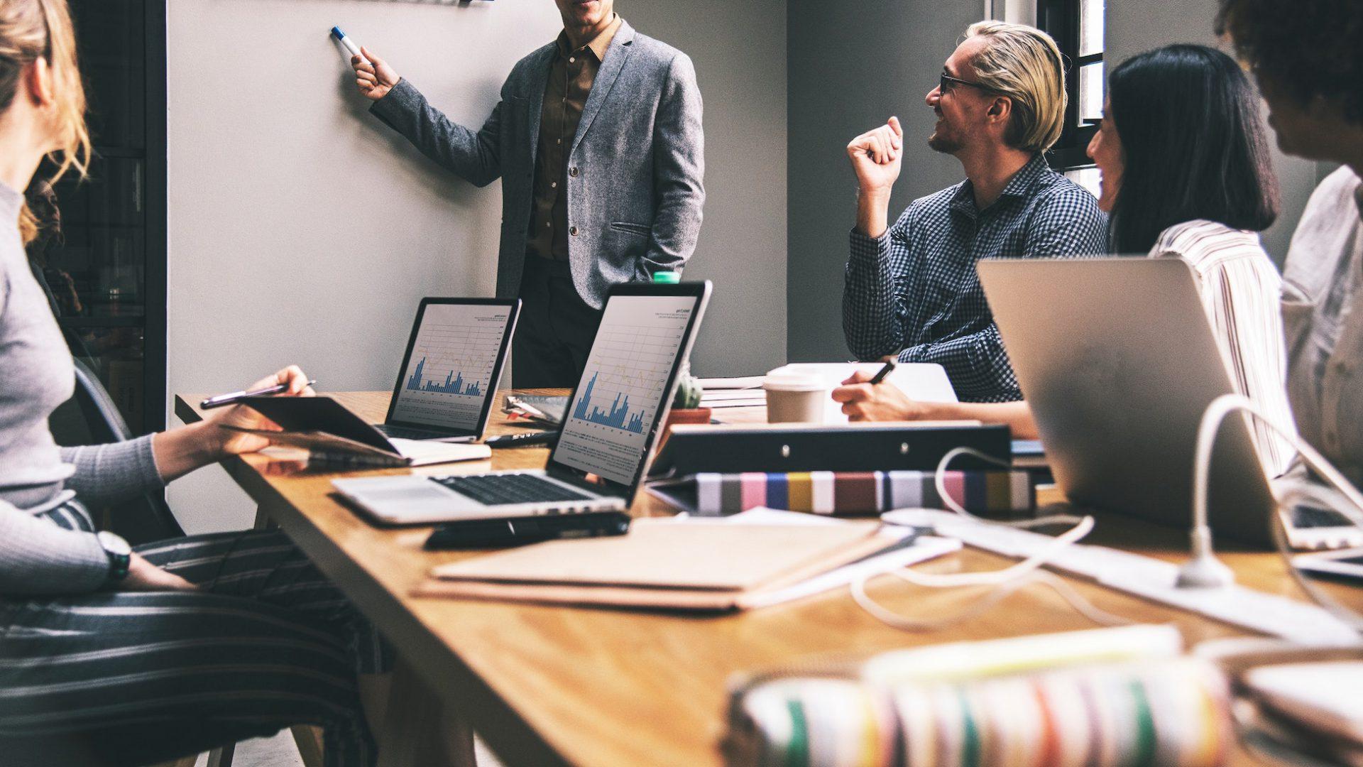 Beneficiile coachingului corporativ pentru organizatii