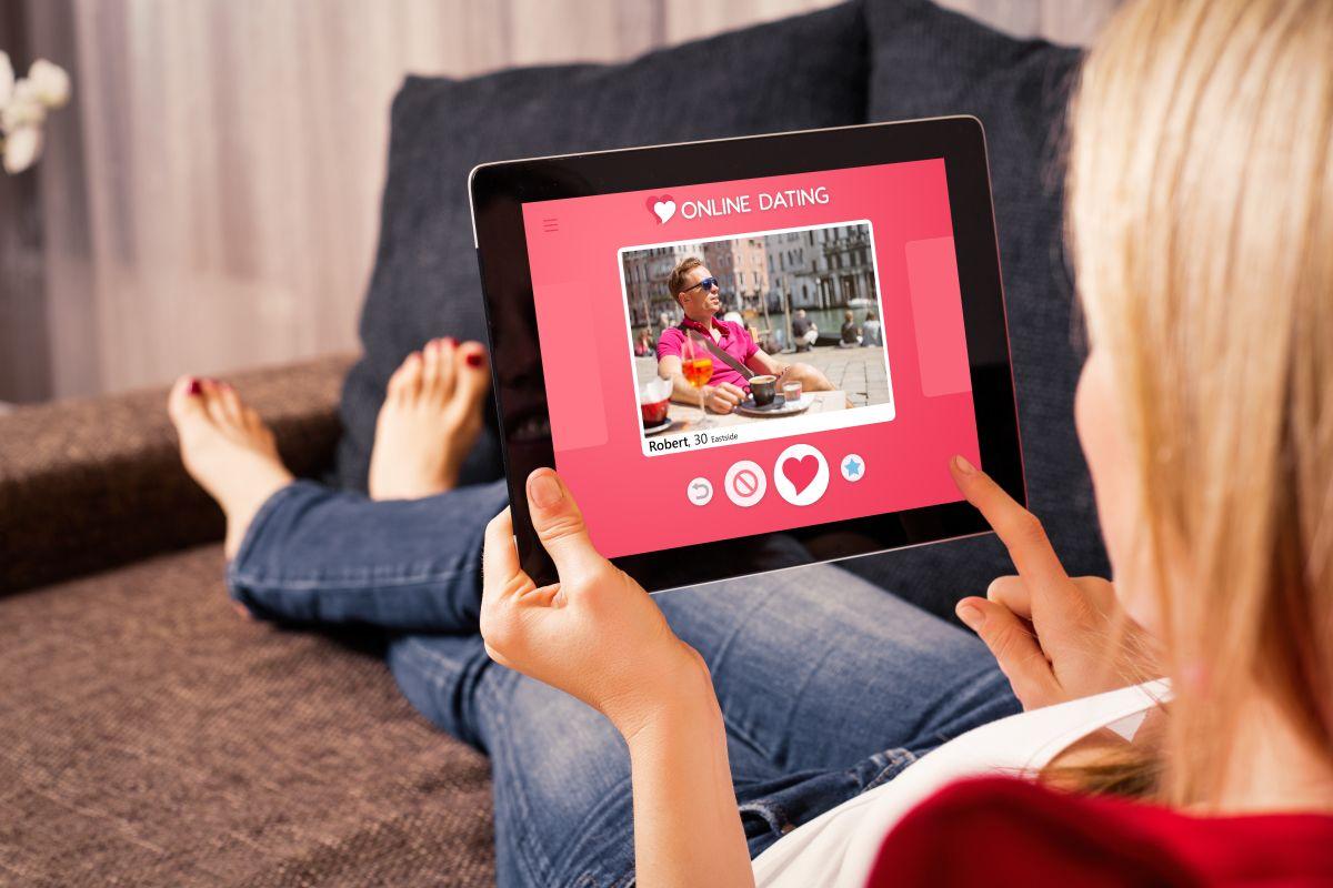 Avantajele intalnirii unui partener online