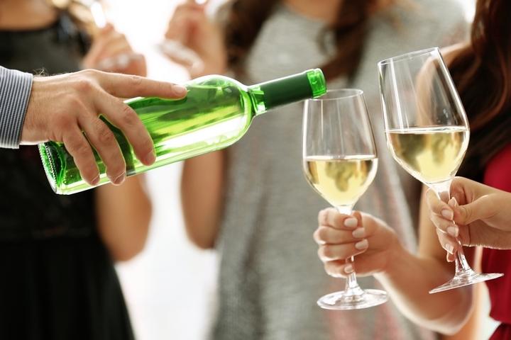 Cum sa bei vin alb: ghid pentru incepatori