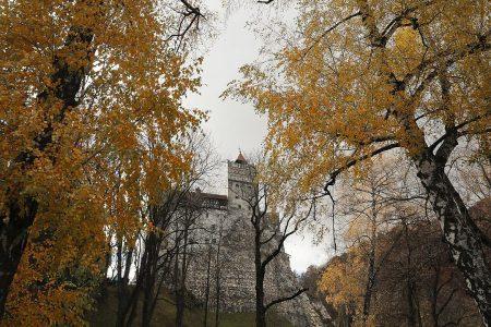 COVID-19 ii sperie pe vizitatori departe de Castelul lui Dracula in acest Halloween