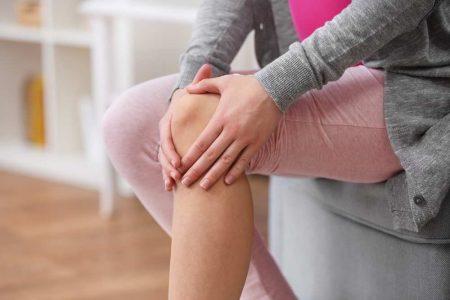 Băuturi naturale care vor elimina durerile la genunchi și articulații