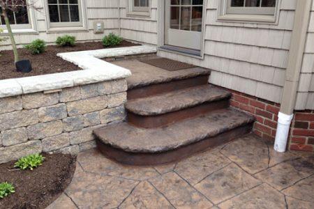 Te-ai saturat de buruieni in curte, Paveaz-o cu beton amprentat!